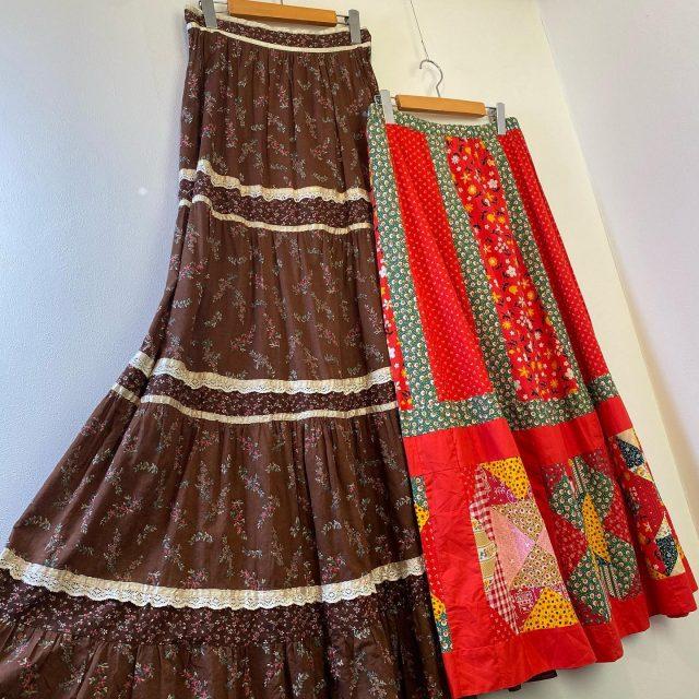 【women's】pedicel skirt Left ¥14,300- Right ¥14,300-  #alaska_tokyo #vintage #shimokitazawa #usedclothing
