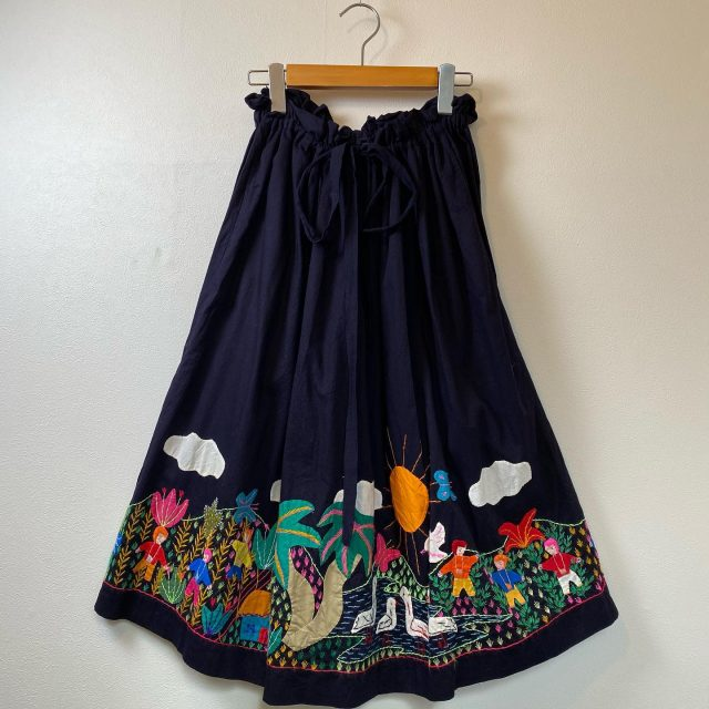 【women's】Embroidered design skirt ¥16,500-  #alaska_tokyo #vintage #shimokitazawa #usedclothing