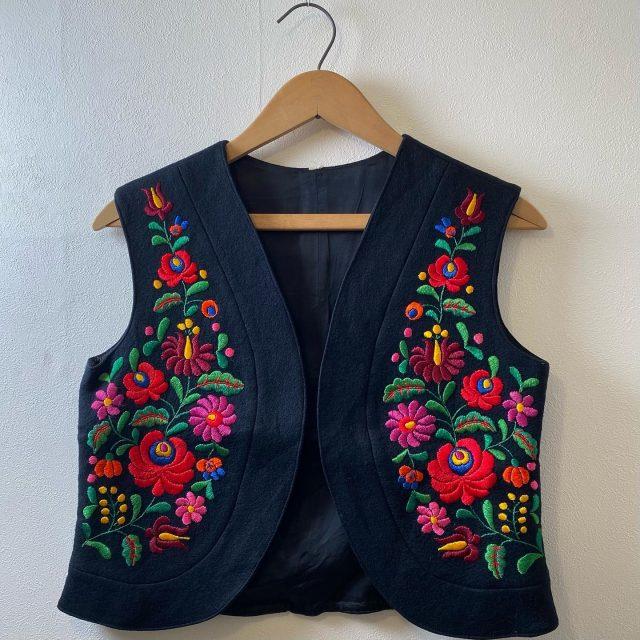 【women's】 wool embroidery vest ¥11,000-  #alaska_tokyo #vintage #shimokitazawa #usedclothing