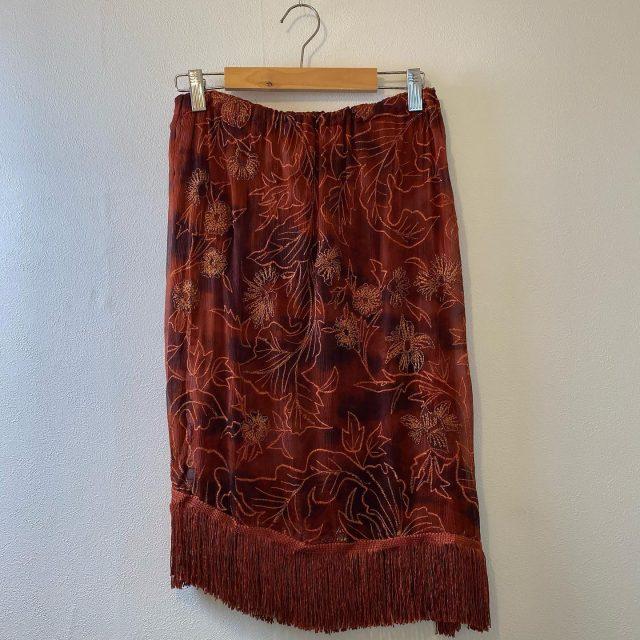 【women's】 embroidered fringe accidentally  skirt ¥6,600-  #alaska_tokyo #vintage #shimokitazawa #usedclothing