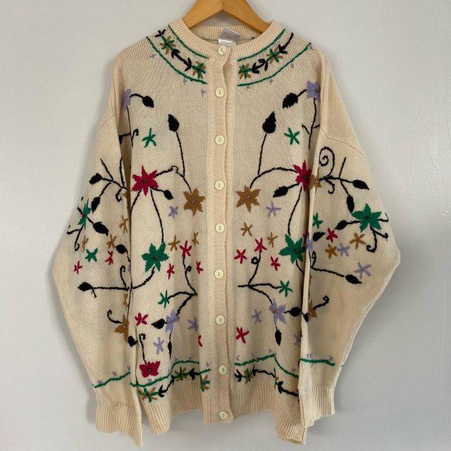 【women's】 acrylic  flower embroidered cardigan ¥7,700-  #alaska_tokyo #vintage #shimokitazawa #usedclothing