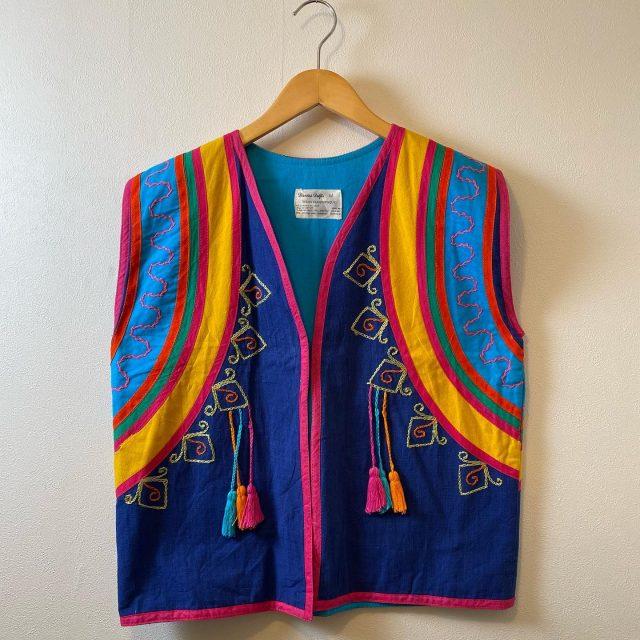 【women's】 rainbow embroidered vest ¥9,900-  #alaska_tokyo #vintage #shimokitazawa #usedclothing